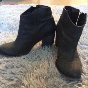 Aldo leather booties, sz 8, EUC